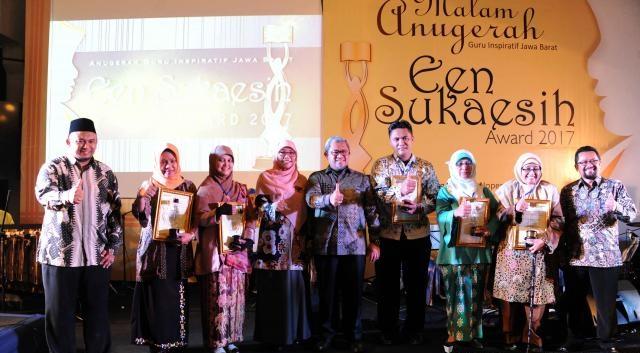 Een Sukaesih Award