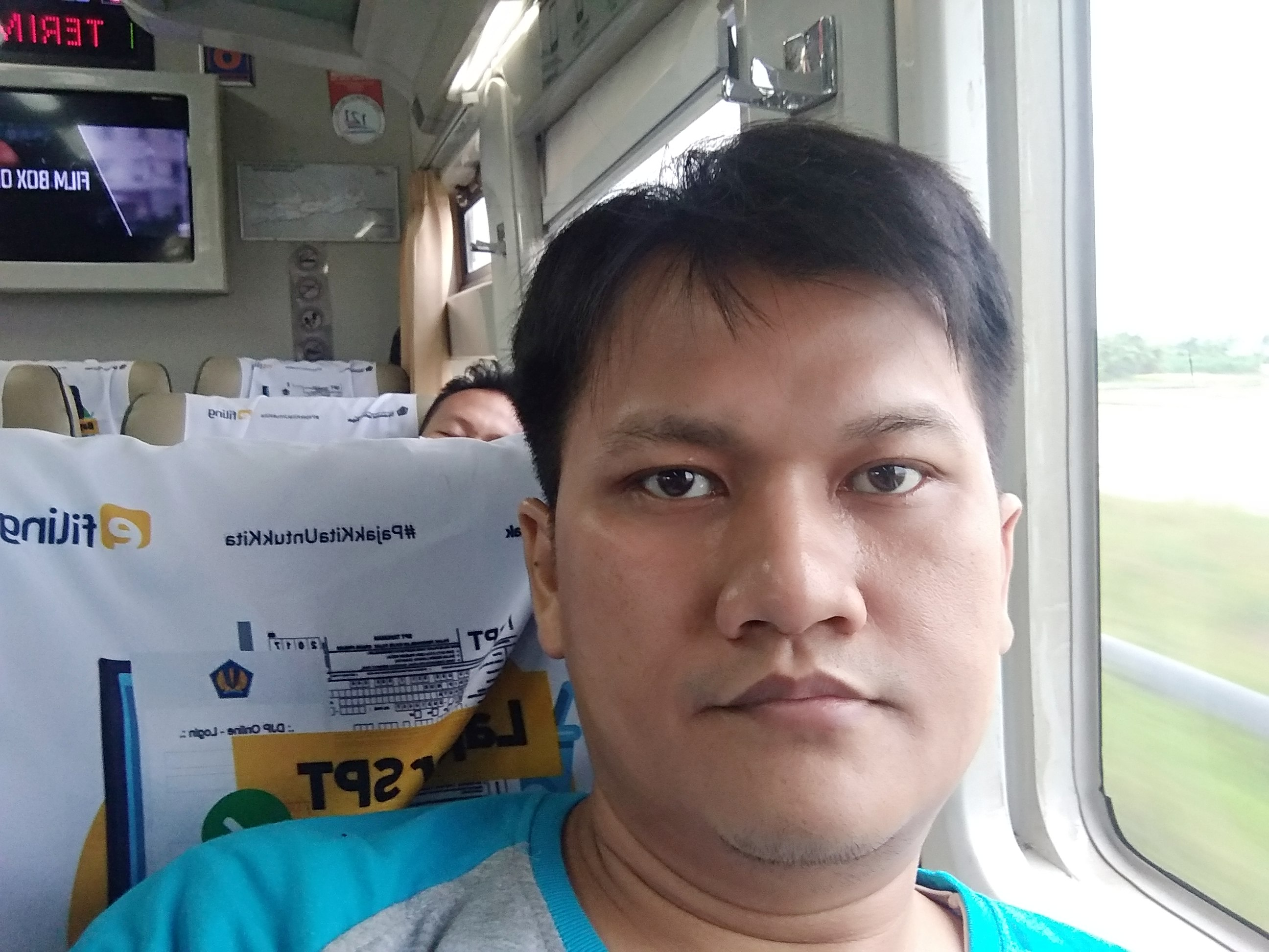Di Atas Argo Bromo Anggrek Menuju Surabaya